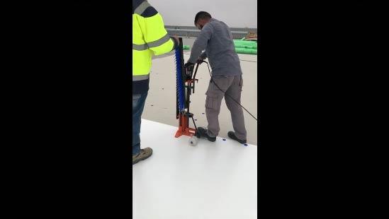 Instalación manual y con maquina de sistema fijación en solape